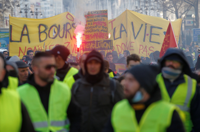 "A demonstration of the ""yellow vests"" movement in Marseille, France, January 26, 2019. REUTERS/Jean-Paul Pelissier"