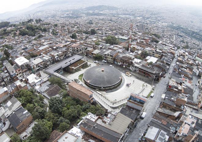 "EPM Sustainable urban interventions department. Water reservoir as public park ""Uva de la esperanza"". Medellin 2014-2015"