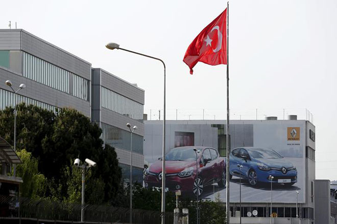 Oyak Renault car plant is seen in Bursa, Turkey. REUTERS/Murad Sezer