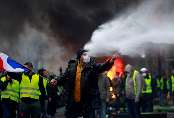 A demonstration on the Champs-Elysées, where thousands of Yellow Jacket protestors marched against fuel price hikes. This is a spontaneous movement that has spread throughout the whole of France. REUTERS/Gonzalo Fuentes/Contrast