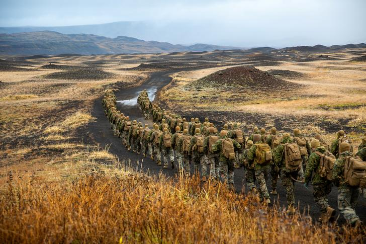 U.S. Marines del 24esimo Marine Expeditionary Unit, dispiegati nel contesto di Trident Juncture 18 in Islanda, 19 ottobre 2018 U.S. Marine Corps/Lance Cpl. Menelik Collins/Handout via REUTERS.