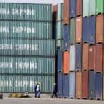Container carichi di merci al porto di Tianjin. REUTERS/Jason Lee