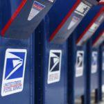 Cassette postali dell'Usps presso un ufficio postale a Encinitas, California, Stati Uniti. REUTERS / Mike Blake