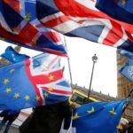 Manifestanti protestano contro la Brexit davanti al Parlamento di Londra, Gran Bretagna, 28 novembre 2018. REUTERS / Henry Nicholls