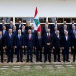 I membri del nuovo Governo libanese posano per una foto al palazzo presidenziale di Baabda, Libano, 2 febbraio 2019. Dalati Nohra/Handout tramite REUTERS
