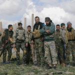I combattenti delle Forze Democratiche Siriane (SDF) nel villaggio di Baghouz, nella provincia di Deir Al Zor, Siria, 18 febbraio 2019. REUTERS/Rodi Said