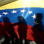 Una manifestazione a sostegno del leader dell'opposizione del Venezuela, Juan Guaidó, a San Jose, Costa Rica, 2 febbraio 2019. REUTERS/Juan Carlos Ulate