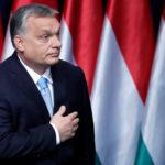Il Primo Ministro ungherese Viktor Orbán lascia il palco dopo aver pronunciato il suo discorso annuale alla nazione a Budapest, Ungheria, 10 febbraio 2019. REUTERS/Bernadett Szabo