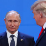 Il Presidente degli Stati Uniti Donald Trump e il Presidente della Federazione Russa Vladimir Putin durante il summit dei leader del G20 a Buenos Aires, Argentina, 30 novembre 2018. REUTERS/Marcos Brindicci