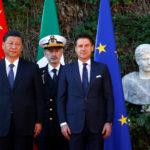 Il Presidente cinese Xi Jinping e il Primo Ministro italiano Giuseppe Conte durante una cerimonia di benvenuto a Villa Madama a Roma, 23 marzo 2019. REUTERS/Yara Nardi