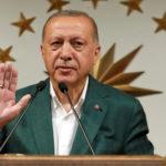 Il Presidente turco Tayyip Erdogan durante una conferenza stampa all'Huber Mansion di Istanbul, Turchia, 31 marzo 2019. REUTERS/Murad Sezer