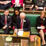 Il leader del Partito Laburista britannico Jeremy Corbyn parla alla Camera dei Comuni a Londra, Gran Bretagna, 8 maggio 2019. UK Parliament/Roger Harris/Handout tramite REUTERS