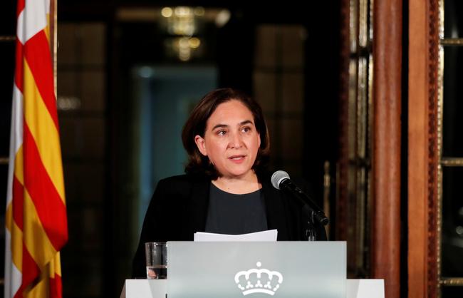 Ada Colau rilascia una dichiarazione a Barcellona, Spagna. REUTERS/Gonzalo Fuentes