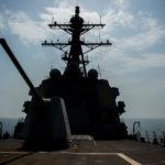 Una nave da guerra della Marina degli Stati Uniti, 19 luglio 2019. Jason Waite/Handout, esperto di comunicazione di massa della Marina degli Stati Uniti