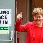 Nicola Sturgeon, Primo Ministro della Scozia, durante il voto per le elezioni Europee a maggio 2019. Reuters. Foto di Russell Cheyne