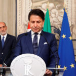Il Primo Ministro italiano Giuseppe Conte parla ai media al Quirinale dopo l'incontro con il Presidente Sergio Mattarella a Roma, Italia, 29 agosto 2019. REUTERS/Ciro de Luca