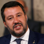 Il leader della lega Matteo Salvini parla ai media dopo le consultazioni con il Presidente italiano Sergio Mattarella a Roma, Italia, 28 agosto 2019. REUTERS/Ciro de Luca