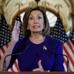 La Speaker della Camera Nancy Pelosi annuncia che la Camera dei Rappresentanti avvierà un'indagine formale sull'impeachment del Presidente degli Stati Uniti Donald Trump a Washington, Stati Uniti, 24 settembre 2019. REUTERS/Kevin Lamarque