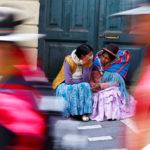 I sostenitori del Presidente della Bolivia Evo Morales partecipano a una protesta a La Paz, Bolivia, 31 ottobre 2019. REUTERS/Kai Pfaffenbach