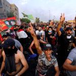 I manifestanti protestano contro la disoccupazione, la corruzione e i servizi pubblici, a Baghdad, Iraq, 2 ottobre 2019. REUTERS/Thaier al-Sudani