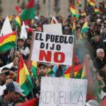 Una manifestazione a La Paz contro il quarto mandato del Presidente Evo Morales. REUTERS/David Mercado