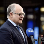 Il Ministro dell'Economia italiano Roberto Gualtieri parla ai media, 13 settembre 2019. Lehtikuva/Martti Kainulainen tramite REUTERS
