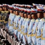 L' Aeronautica del Myanmar si prepara ad accogliere il Presidente cinese Xi Jinping e il Presidente del Myanmar Win Myint al palazzo presidenziale di Naypyitaw, Myanmar, 17 gennaio 2020. REUTERS/Ann Wang