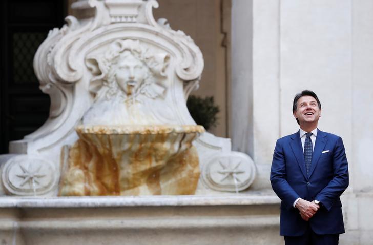 Il Primo Ministro italiano Giuseppe Conte a Roma, 3 febbraio 2020. REUTERS/Remo Casilli