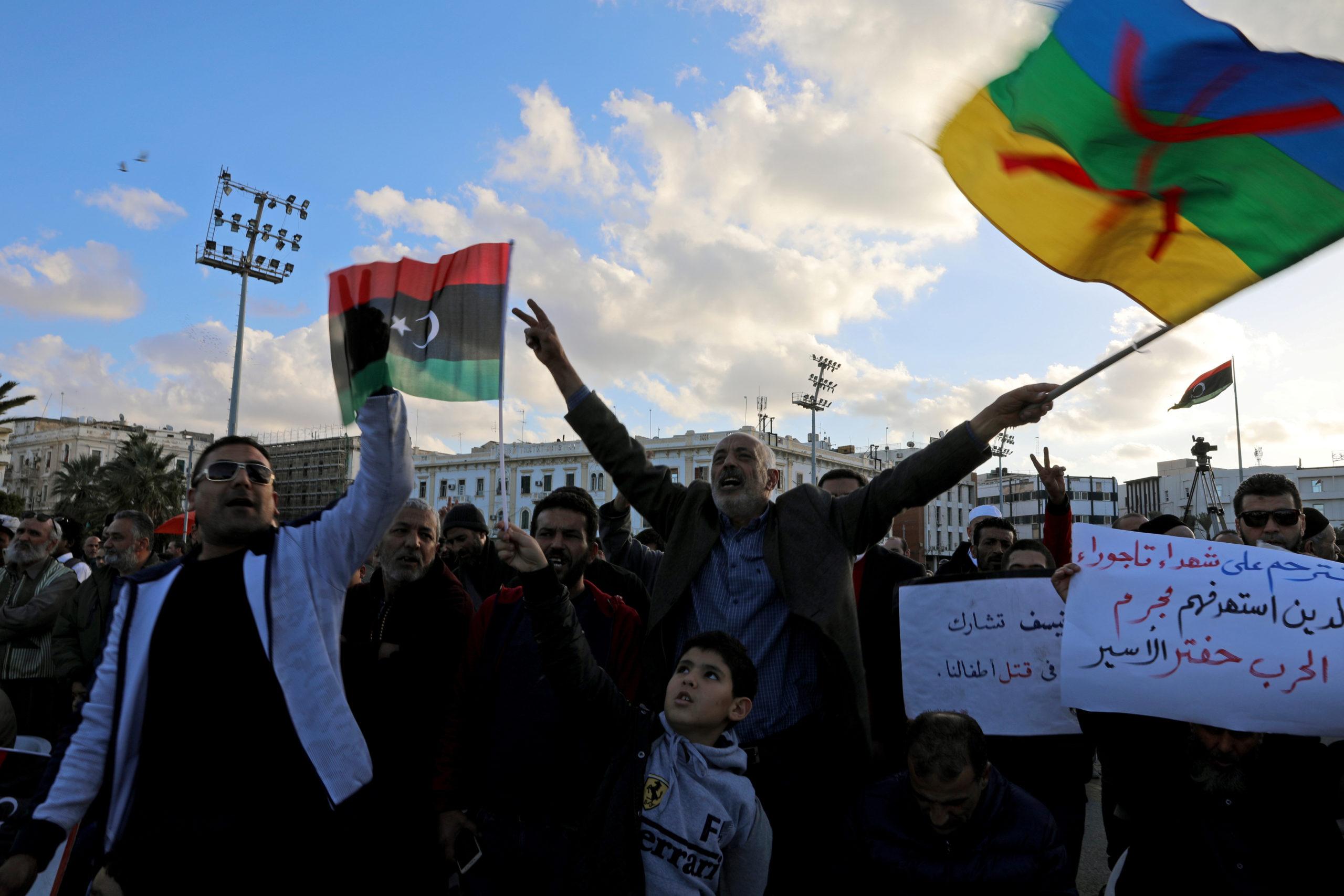 Una manifestazione per chiedere la fine dell'offensiva di Haftar contro Tripoli