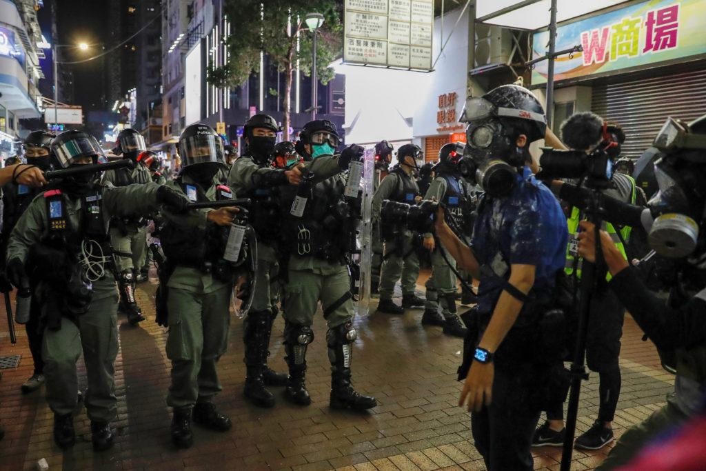 Hong Kong: ondata di arresti