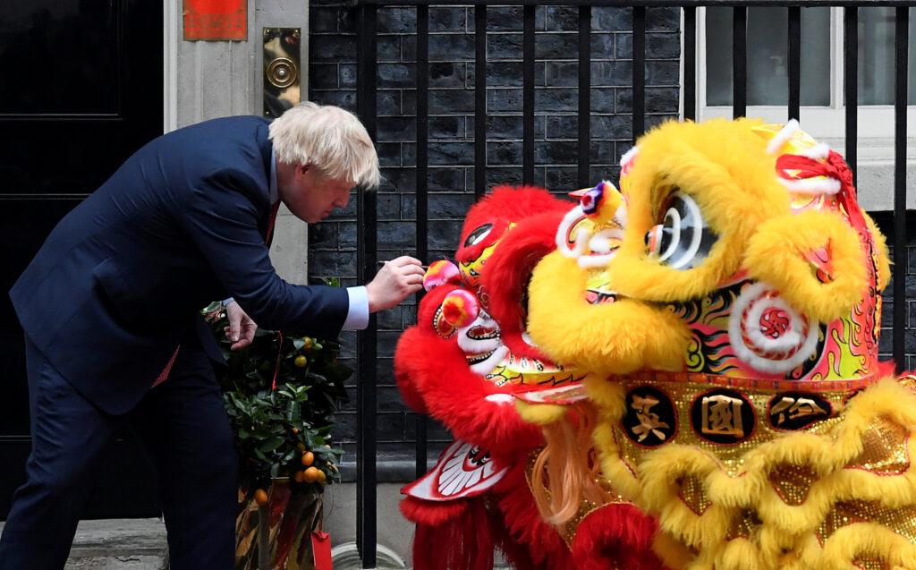 Regno Unito-Cina: una legge limiterà l'acquisto di aziende da entità straniere
