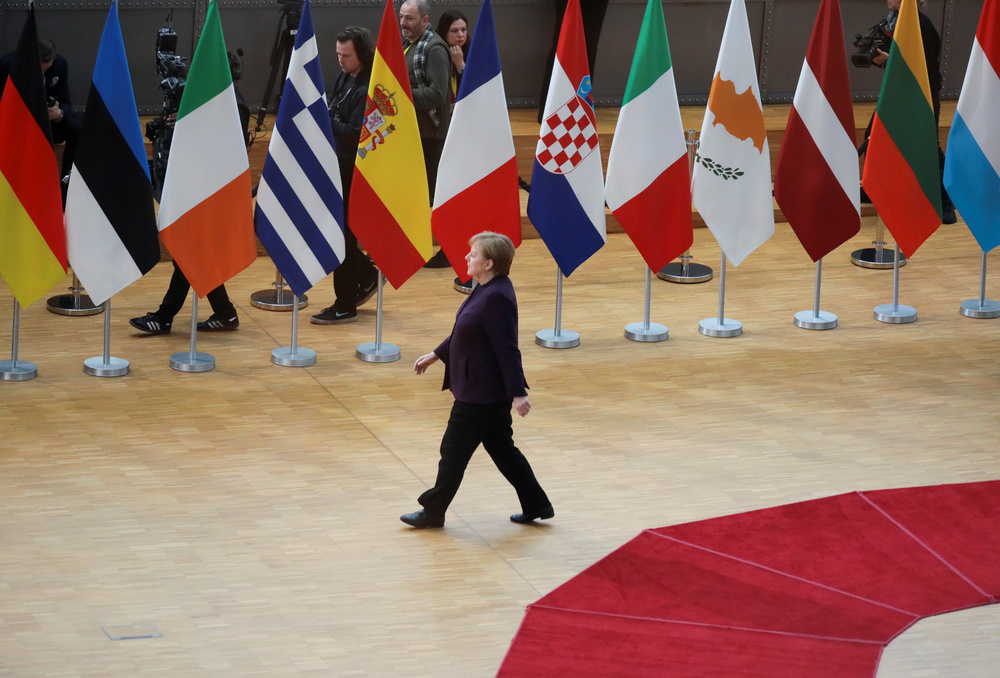 Recovery Fund: Conte punta sulla Germania. La Cancelliera tedesca Angela Merkel al vertice dei leader dell'Unione europea a Bruxelles, Belgio, 20 febbraio 2020. REUTERS/Reinhard Krause