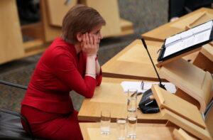 Scozia: Nicola nella bufera