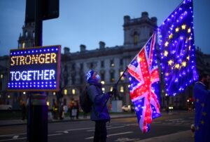 Ue-Regno Unito, passa l'accordo al Parlamento europeo