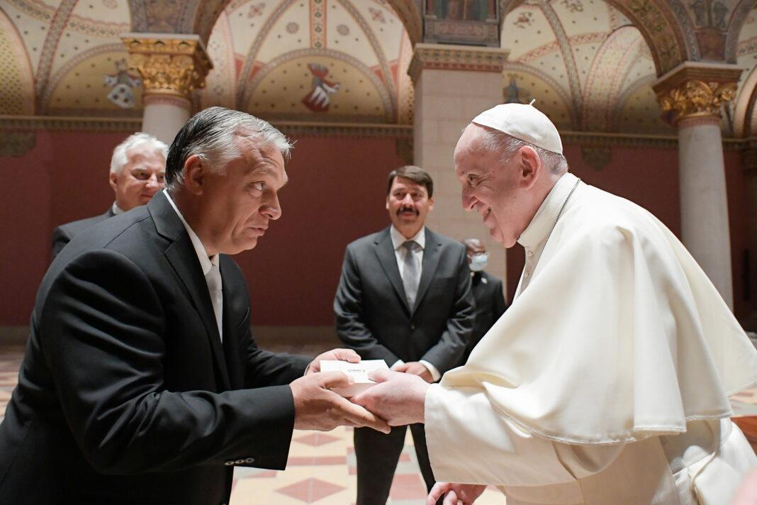 Papa Francesco in Ungheria isola Orbán